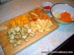 Нарезанные овощи для рагу