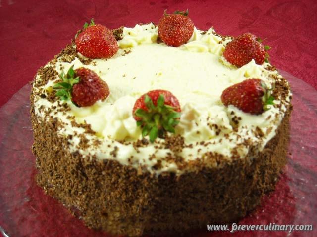 бисквитный торт с клубникой рецепт фото смасляным кремом
