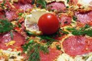 омлет с помидором и сыром