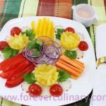 Салат из свежих овощей – Букет