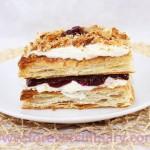 Пирожные слоеные с брусничным джемом