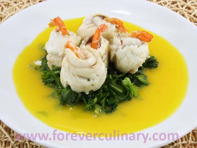 Блюда из рыбы на столе