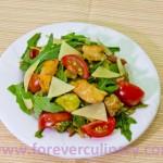 Салат с авокадо и рукколой средиземноморский